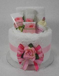 small pamper baskets Pamper Cakes / Gift Cakes for any Occasion Diy Gift Baskets, Raffle Baskets, Pamper Cake, Mothers Day Baskets, Diy Y Manualidades, Gift Cake, Spa Gifts, Creative Gifts, Shower Gifts