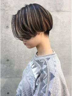 Tomboy Hairstyles, Short Hairstyles For Women, Korean Short Hair, Short Hair Cuts, Shot Hair Styles, Curly Hair Styles, Androgynous Haircut, Anime Wigs, Hair Inspo