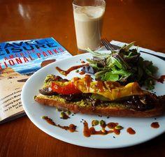 Mango & Tomato: Ultimate Meatless Monday: Vegan Food At Vinyl In Reykjavik