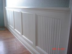 6 Awake ideas: Faux Wainscoting Benjamin Moore types of wainscoting house.Types Of Wainscoting House classic wainscoting herringbone floors.How To Install Wainscoting Bathroom. Home Remodeling Diy, Home Diy, Room Remodeling, Dining Room Wainscoting, Wainscoting Bedroom, Home Remodeling, Bathrooms Remodel, Home Decor, Wainscoting Styles