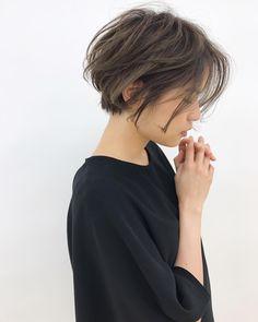 いいね!308件、コメント2件 ― 『武蔵小杉美容室』kakimotoarms:中井裕貴さん(@nakai_kakimotoarms)のInstagramアカウント: 「髪をスッキリさせたいけど、短すぎるのに抵抗がある方へ❗️『前下がりショートボブ✂️』. . . . 最近は春に向けて髪をスッキリさせる方が多いです❗️. . . .…」