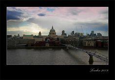 Millennium Bridge. 2009. London  (view fron Tate Modern)