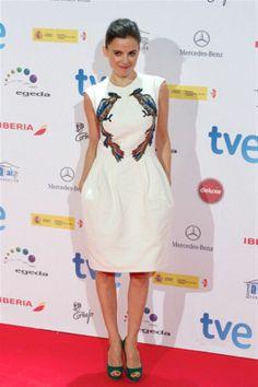 Elena Anaya en los Premios Forqué con un diseño de Nacho Aguayo.