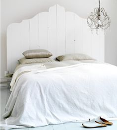 DIY headboard by Ariadne at Home