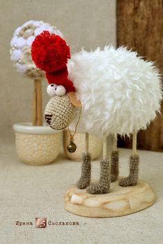 no pattern - just inspiration Christmas Toys, Christmas Knitting, Handmade Christmas, Crochet Cow, Crochet Dolls, Sheep Crafts, Love Craft, Felt Toys, Handmade Toys