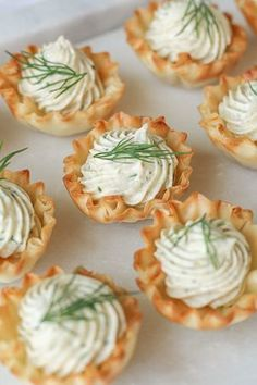 This Celebrated Life: Irresistible Smoked Salmon Appetizers Seafood Appetizers, Easy Appetizer Recipes, Appetizers For Party, Appetizers For Christmas, Christmas Brunch, Seafood Recipes, Smoked Salmon Appetizer, Smoked Salmon Sandwich, Easy Party Food