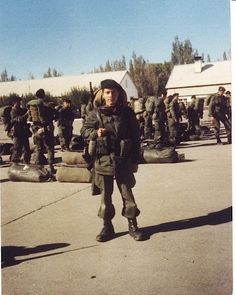 Foto de los soldados del RI 25 en Sarmiento antes de partir hacia Malvinas.
