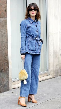 """The best outfits to come out of Fall 2018 Paris Fashion Week street style will change the way you think about """"French girl fashion""""—check out our favorites. Fashion 2018, Girl Fashion, Paris Fashion, Street Fashion, Canadian Tuxedo, French Girls, Parisian, Cool Outfits, Glamour"""