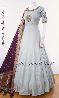 Indian Gowns Dresses, Indian Fashion Dresses, Dress Indian Style, Indian Designer Outfits, Pakistani Dresses, Designer Anarkali Dresses, Designer Party Wear Dresses, Kurti Designs Party Wear, Long Gown Dress
