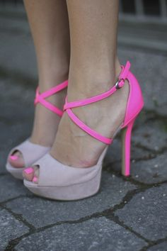 Darling Two-Toned Pumps