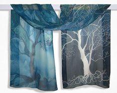 Longue écharpe en soie « arbres en bleu » à la main des foulards peints bleu foulard arbres Echarpe - bleu turquoise blanc