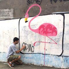 flamingo na parede do metrô Nova América - Del Castilho