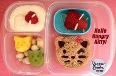 Hello Hungry Kitty Lunch, made with the CuteZCute cutter set. Win a CuteZCute set of your own! #bento #easylunchboxes #cutezcute