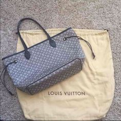 Louis Vuitton Neverfull MM 100% authentic, does have some wear to the bag, can post additional pictures of wear for serious buyers.  Comes with dust bag. 3 listings of additional pics of wear listed in my closet Lvlover on ♍️ercari.  Also listed for less on there. Louis Vuitton Bags Totes