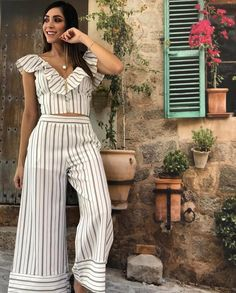Pantalon - Her Crochet Street Style 2018, Street Style Women, Pallazo Pants Pattern, Jumpsuit Outfit, Pants For Women, Clothes For Women, Stripes Fashion, Indian Attire, Classy Outfits