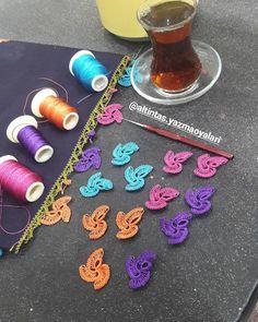 Needle Lace, Elsa, Crochet Necklace, Triangle, Jewelry, Crochet Accessories, Crochet Flowers, Crochet Baby Clothes, Breien