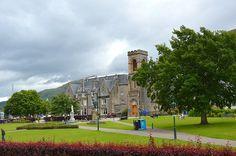 Dove dormire in Scozia con un budget medio Quali hotel hai scelto per il tuo viaggio in Scozia? Eccoli! Non solo hotel: anche B&B e Guest House. Alcuni meravigliosi, con arredi curati nel minimo dettaglio e tanto confort, quasi da lacrime quando li abbiamo lasciati, altri... si possono migliorare! Alloggi suggeriti e recensiti per Edimburgo, Inverness, Fort William, Oban Inveraray e Glasgow. http://bussoladiario.com/2016/08/dove-dormire-in-scozia-con-un-budget-medio.html