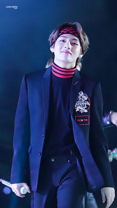 My Oppa . I'll wait for you until my last breath Foto Bts, Bts Photo, Kim Taehyung, Bts Bangtan Boy, Jimin, Daegu, Bts Love, Bts Pictures, Photos