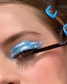 Edgy Makeup, Eye Makeup Art, Crazy Makeup, Cute Makeup, Pretty Makeup, Skin Makeup, Eyeshadow Makeup, Colorful Eye Makeup, Weird Makeup