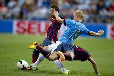 Jordi Alba pugna con Pawlovsky   Málaga 0-1 FC Barcelona. [25.08.13]