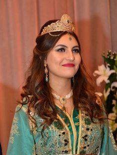 Moroccan Bride, Moroccan Wedding, Moroccan Caftan, Bride Makeup, Muslim Fashion, Just Amazing, Beautiful Smile, African Women, Classy
