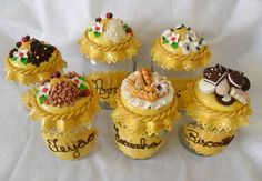 Decoupage Jars, Creation Deco, Play Clay, Decorated Jars, Pasta Flexible, Decoden, Polymer Clay Crafts, Dory, Mini Cupcakes
