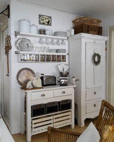Hello lovelies wünsche euch einen schönen Tag #lantliv #shabbychic #frenchstyle #landhausstil #love #frenchnordic #countryhome #withecottage #brocante #myhome #style #Vintagehome #farmhouse
