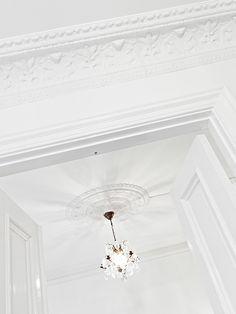 ❄ White home Interior Architecture, Interior And Exterior, Interior Decorating, Interior Design, Decorating Ideas, Ceiling Design, Beautiful Interiors, My Dream Home, Interior Inspiration