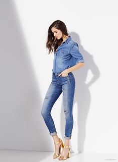 Recent Vogue Spain cover star, Blanca Padilla, lands the Jeans and Denim campaign for SuiteBlanco's spring-summer 2015 collection. The brunette keeps it casual… 60 Fashion, Fashion Poses, Fashion Outfits, Winter Fashion, Kpop Outfits, Casual Outfits, Girls Fashion Clothes, Clothes For Women, Beste Jeans