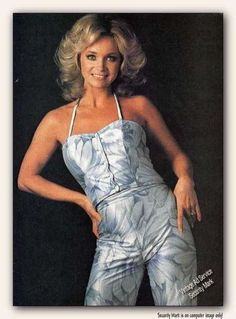 My favorite female singer when I was 6 years old. #BARBARA MANDRELL  SHE COULD PLAY A DOZEN INSTRUMENTS