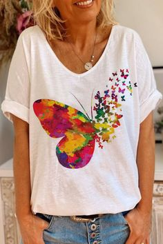 Fabric Paint Shirt, Paint Shirts, T Shirt Painting, Hand Painted Dress, Painted Clothes, Casual T Shirts, Tee Shirts, Diy Fashion, Ideias Fashion