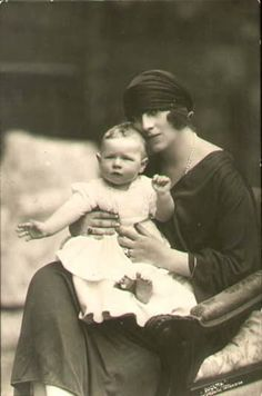 Princess Helen of Greece with her son Michael of Romania. Baby Prince, Young Prince, Prince And Princess, Michael I Of Romania, Von Hohenzollern, Romanian Royal Family, Queen Mother, People Of Interest, Portraits