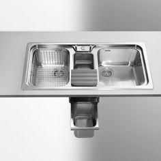 Lavello cucina con raccogli rifiuti Alpes Bar, Home Decor, Houses, Alps, Interior Design, Home Interiors, Decoration Home, Interior Decorating, Home Improvement