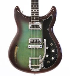 1967 Kustom Funky color combo on the burst aside, this would be a great pairing with my Kustom amp. Custom Electric Guitars, Beautiful Guitars, Vintage Guitars, Retro Chic, Guitar Amp, Kustom, Playing Guitar, Musical Instruments, Color Combos
