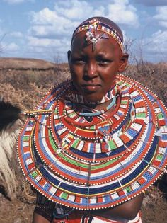 The Maasai tribe of Kenya is world-famous for its beautiful beadwork, which is created by the women of the tribe and worn in rituals and ceremonies by both men and women. It is often given as a gift on special occasions. African Tribes, African Countries, African Nations, African Crafts, African Art, Zulu, Maasai People, Africa People, Great Lakes Region