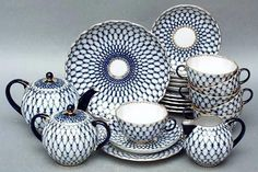 style & iconic <3 blue & white - Russian Porcelain Tea Set. * I would need to break up the patter a bit but still beautiful