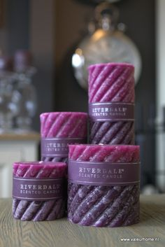 Riverdale 'Swirl' scented candle cinnamon spice. Fantastic candle and love the color!