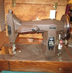 old sewing machines Antique Sewing Machines, Old Tools, Disney And More, Thrifting, Projects To Try, Old Things, Quilts, Retro, Antiques