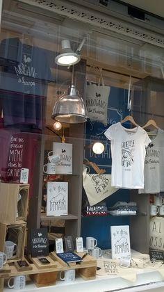 Boutique La Chaise Longue Rue Des Martyrs