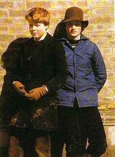 Princess Diana and her brother Charles. Diana always enjoyed a special bond with her brother, who on the death of his father in March inherited the family title Earl Spencer. Lady Diana Spencer, Spencer Family, Prince William And Kate, Prince Of Wales, Prince Charles, Princesa Diana, Elizabeth Ii, Norfolk, Prinz William