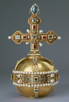 The Imperial Orb follows the formal concept introduced in the Crown of Rudolph II (Inv. No. SK_WS_XIa_1). As in the Crown, the decoration consists of