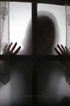 Through the window I by Bénédicte HANOT on 500px