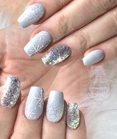 Special nail art designs that stimulate your winter mood - Nageldesign & N . - Special nail art designs that stimulate your winter mood – Nageldesign & Nailart – - Xmas Nails, Holiday Nails, Glitter Nails, Diy Nails, Christmas Nail Art Designs, Winter Nail Designs, Christmas Design, Coffin Nails Long, Long Nails