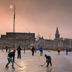 The historical winter is back again in Monnickendam 2 / 3 maart 2018 Leiden, Rotterdam, Dutch People, Winter Fun, Pond, Sailing, River, City, Delft