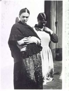 Frida with Her Sister Matilde Mexico 1932 - Lucienne Bloch