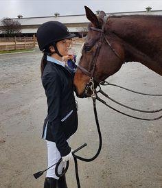 #hunterjumper #schoolhorse #teacher #horseshow #horseshowlife #equestrian