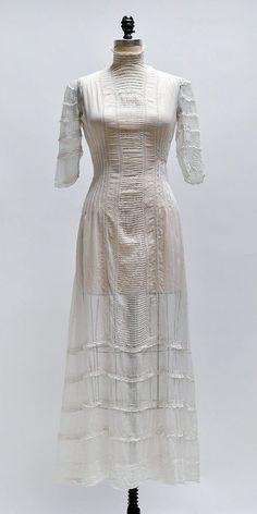 Villognon Court Dress / antique 1900s Edwardian dress / antique lawn dress