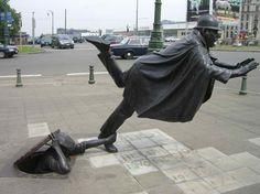 De Vaartkapoen (Policeman Being Tripped), Brussels, Belgium - 40 Unusual and Creative Statue and Sculpture Art