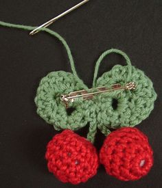 Cherry brooch - another small crochet project (tips)