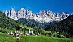 Le cime del Gruppo delle Odle e la chiesa di Santa Maddalena sono i simboli di Funes.